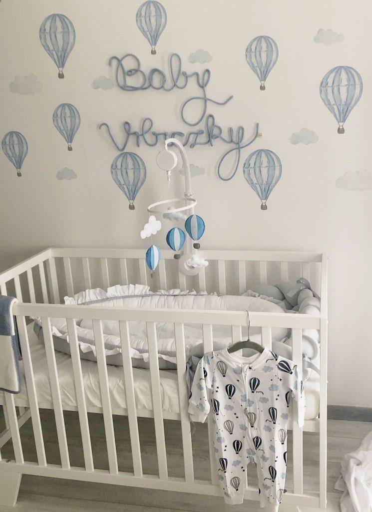 gyerekszoba dekoráció hőlégballonokkal